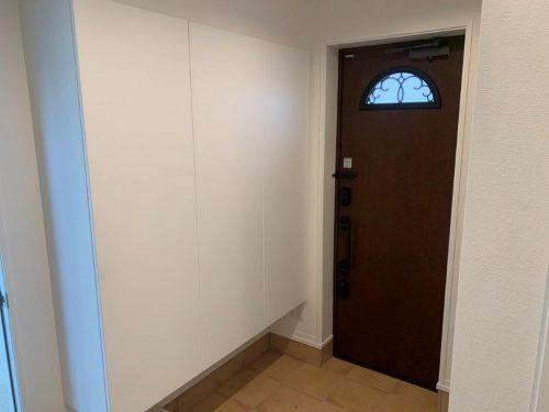 玄関(室内側から見た様子)(玄関)